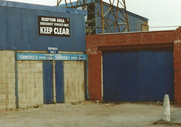 The entrance sign in its original location Copyright © http://www.chesterfootballhistory.com